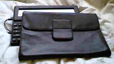 [ image: Carrying Case]